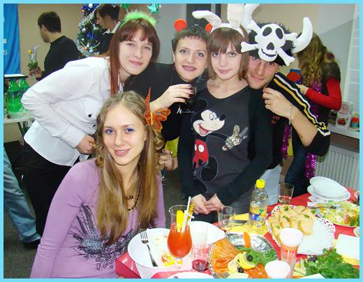 Юкозовцы и новогодний стол